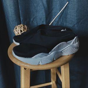 🌻MOVING SALE🌻 Jeffrey Campbell Sneaker Slides